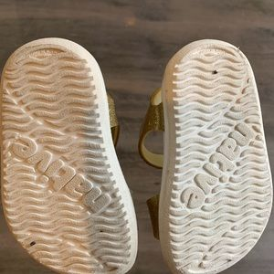 Native Shoes Shoes - Kids Gold Sparkle Native Sandals